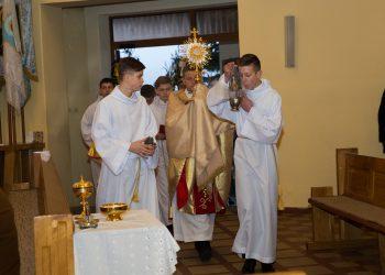 Porządek adoracji w Wielki Piątek i Wielką Sobotę